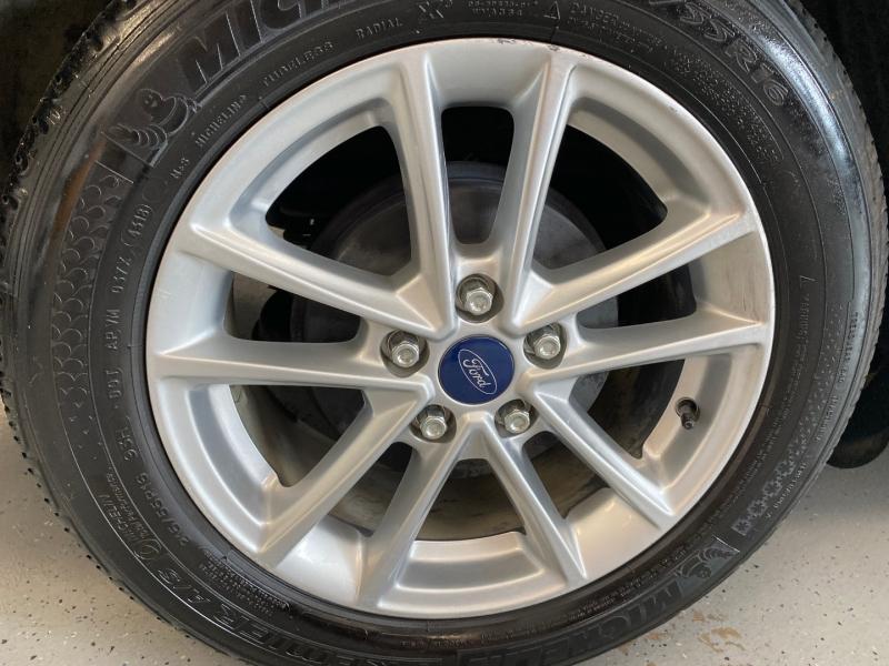 Ford Focus 2015 price $7,998