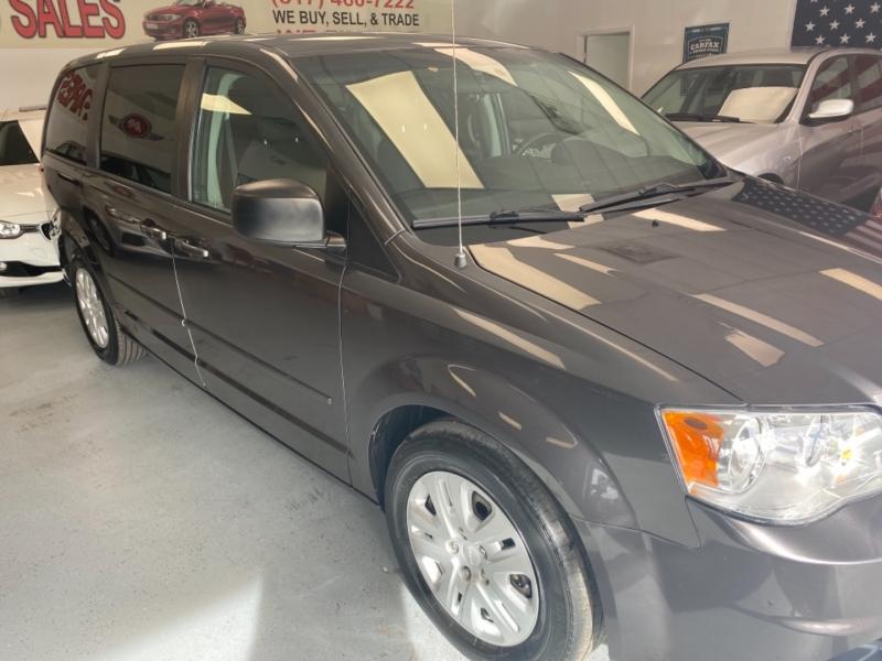 Dodge Grand Caravan 2015 price $9,498