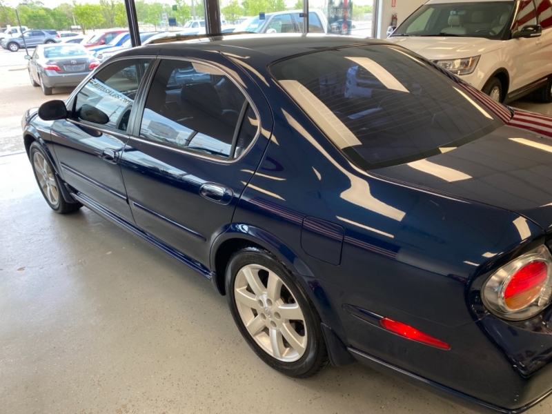 Nissan Maxima 2002 price $6,498