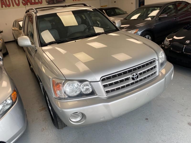 Toyota Highlander 2002 price $6,498