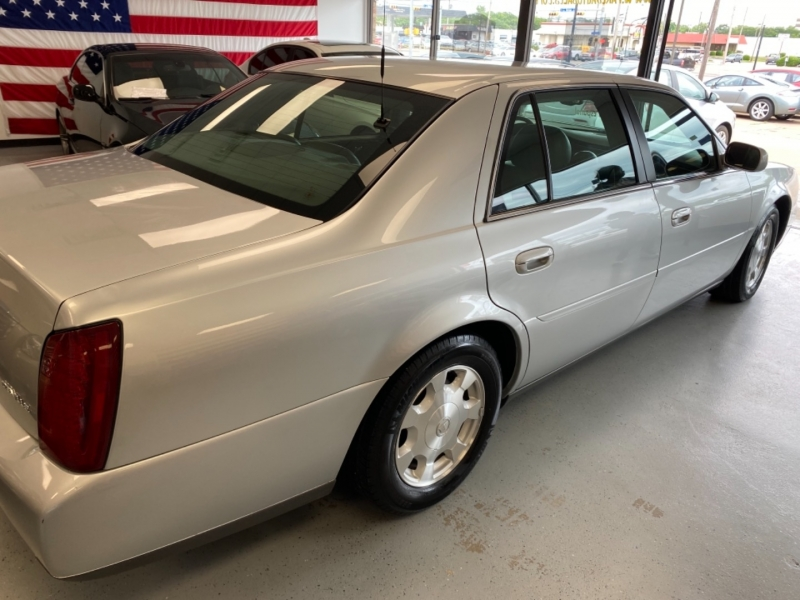Cadillac DeVille 2002 price $7,498