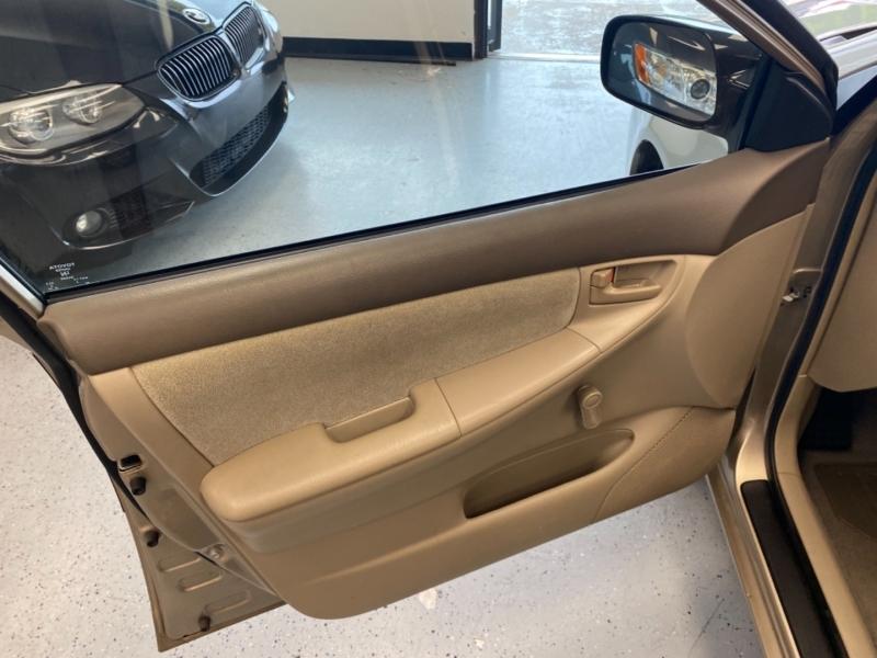 Toyota Corolla 2004 price $7,998