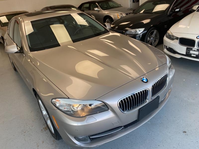 BMW 5-Series 2011 price $13,498