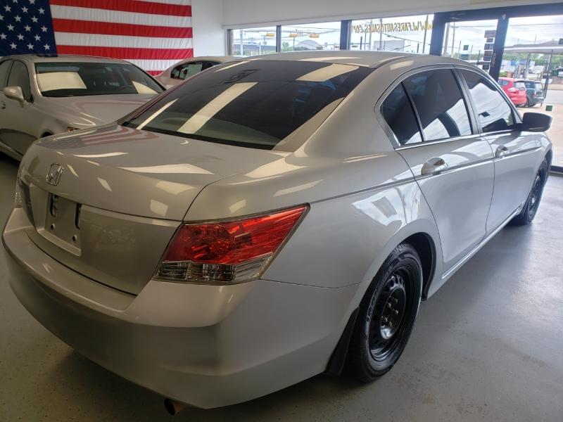 Honda Accord Sdn 2009 price $11,998
