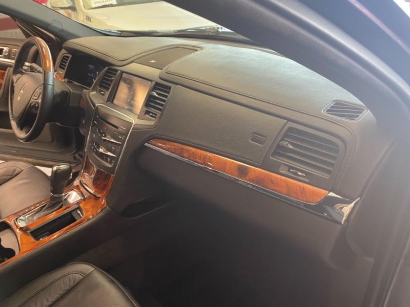 Lincoln MKS 2014 price $16,498