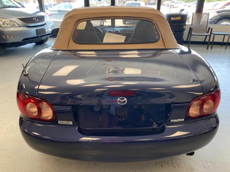 Mazda MX-5 Miata 2001 price $8,998