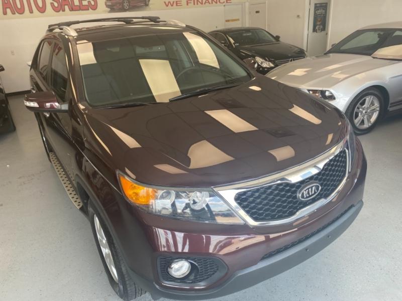 Kia Sorento 2012 price $11,998