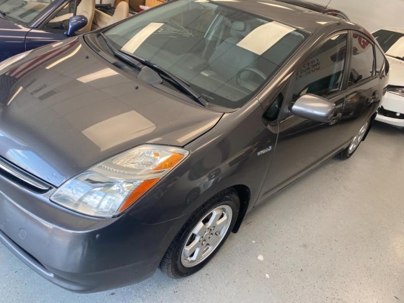 Toyota Prius 2009 price $8,498