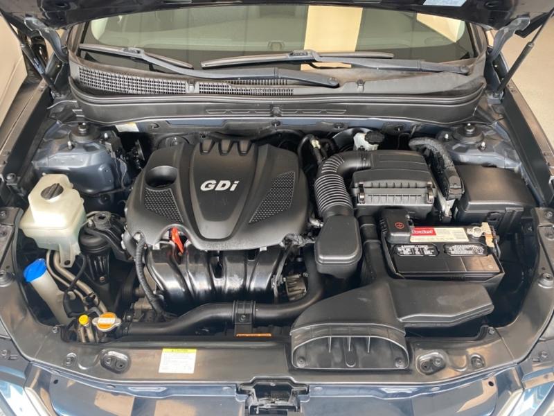 Hyundai Sonata 2011 price $10,998