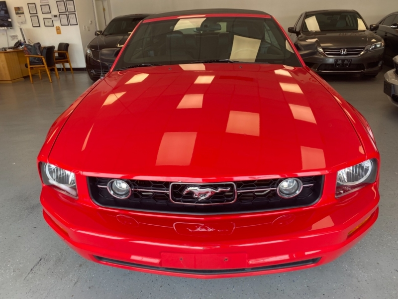 Ford Mustang 2007 price $9,498