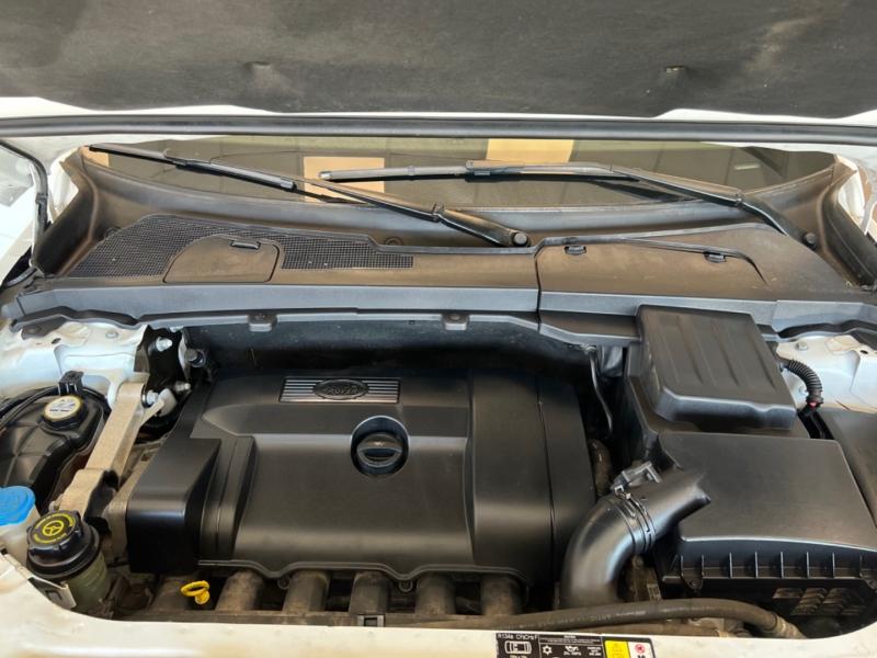 Land Rover LR2 2011 price $14,498