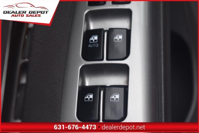 Hyundai Santa Fe 2010 price $6,990