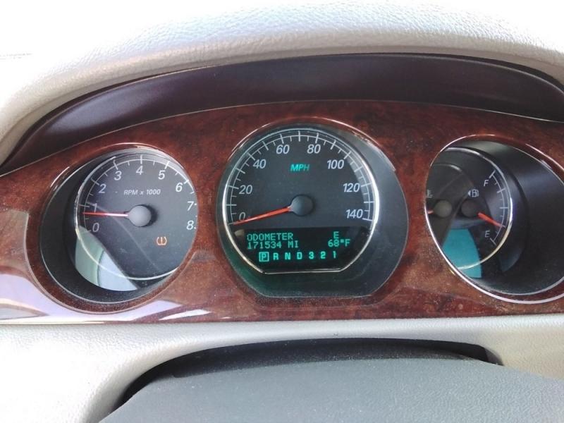 Buick Lucerne 2007 price $2,323