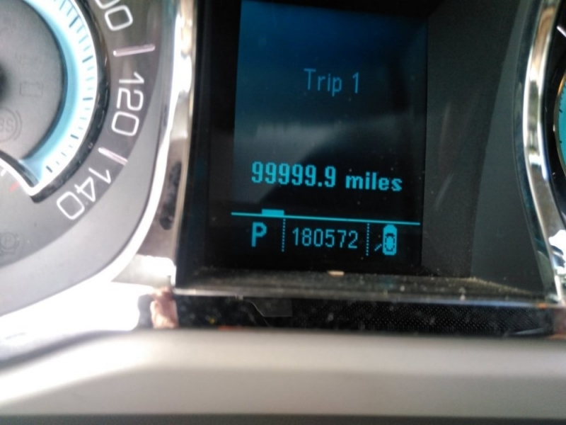 Buick LaCrosse 2010 price $2,298