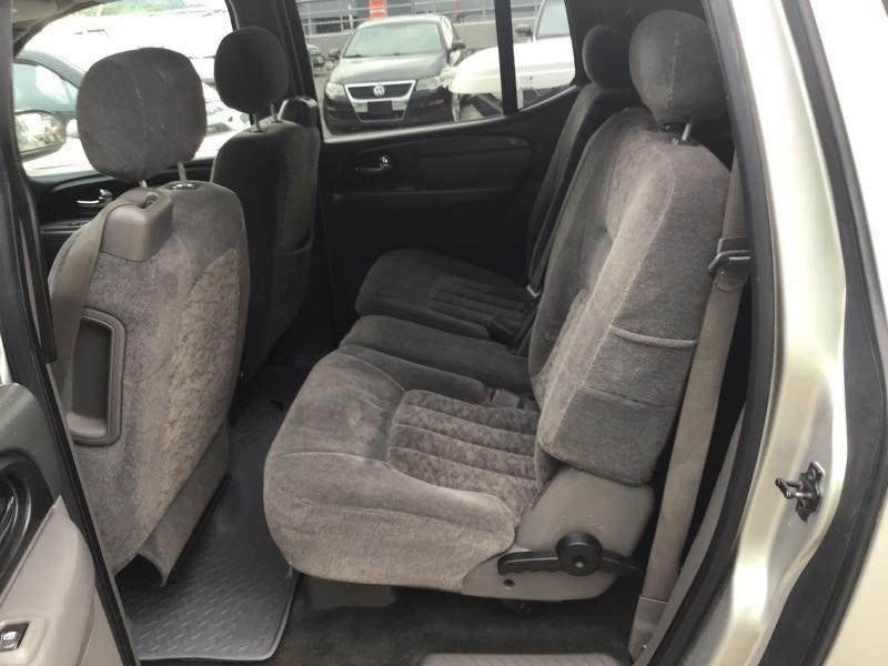 GMC Envoy XL 2004 price $1,198