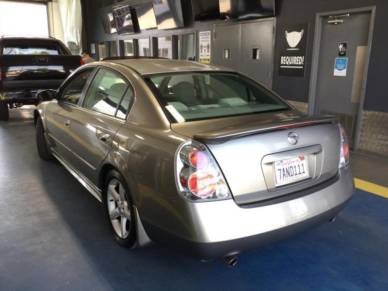 Nissan Altima 2005 price $706