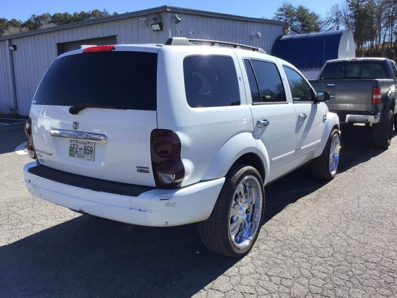 Dodge Durango 2005 price $1,373