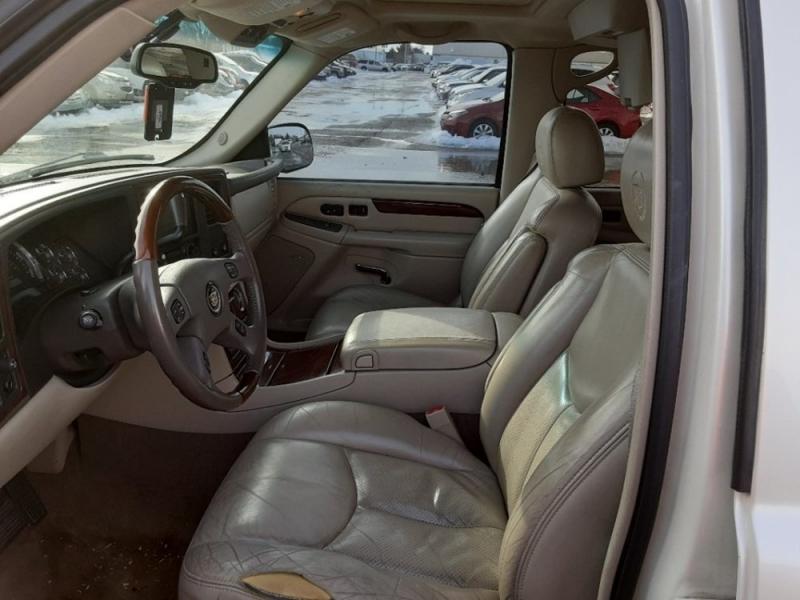 Cadillac Escalade ESV 2005 price $2,098