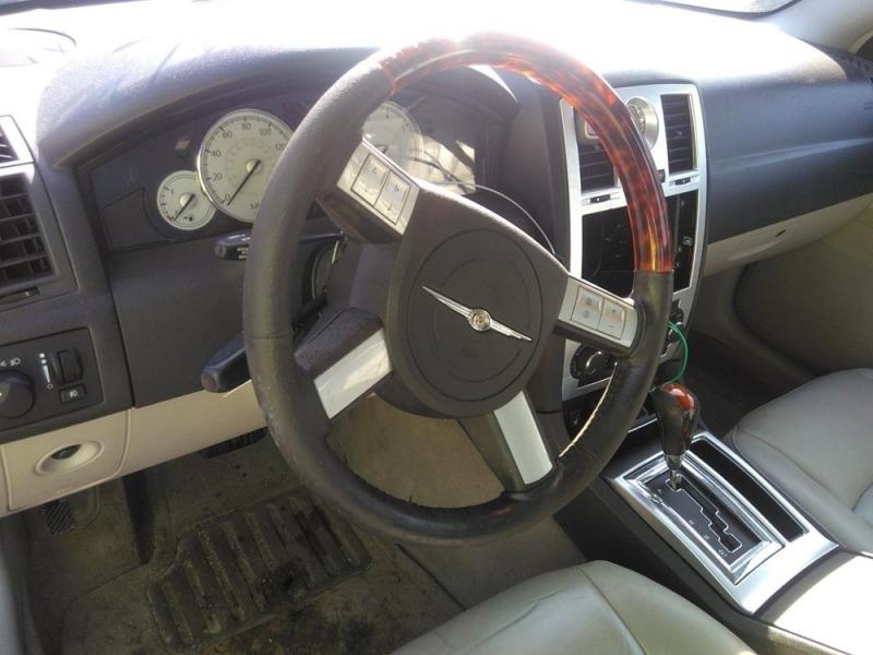 Chrysler 300 2006 price $1,498