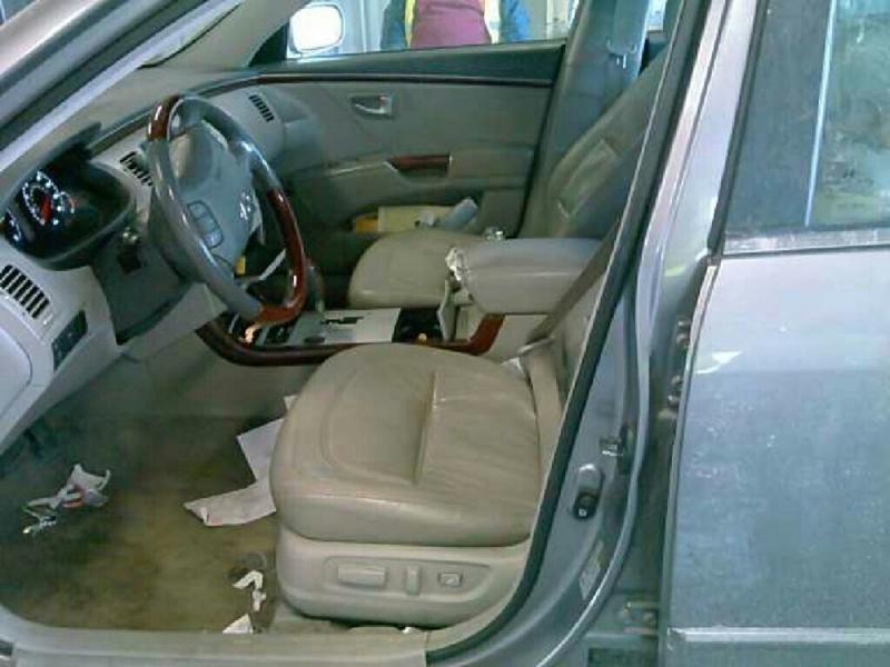 Hyundai Azera 2007 price $2,148