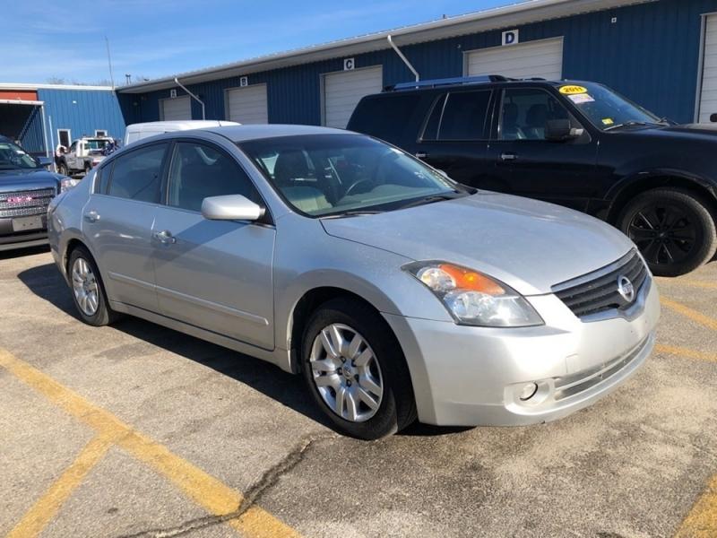 Nissan Altima 2009 price $1,398