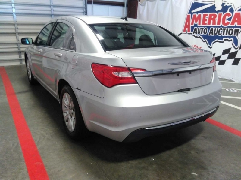 Chrysler 200 2012 price $1,823