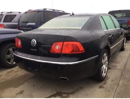 Volkswagen Phaeton 2004 price $2,723