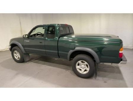 Toyota Tacoma 2004 price $4,123