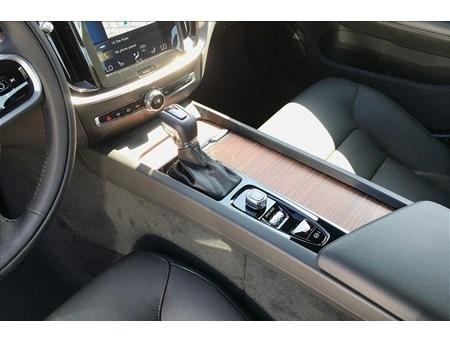 Volvo S60 2020 price $35,000
