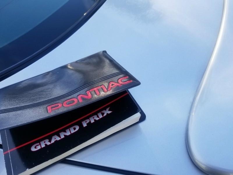 Pontiac Grand Prix 2002 price $2,944