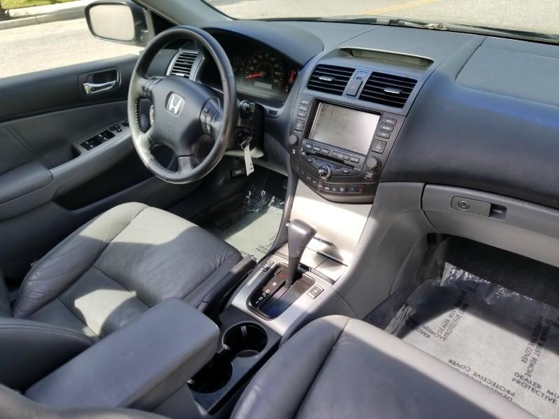 Honda Accord Sdn 2004 price $4,288
