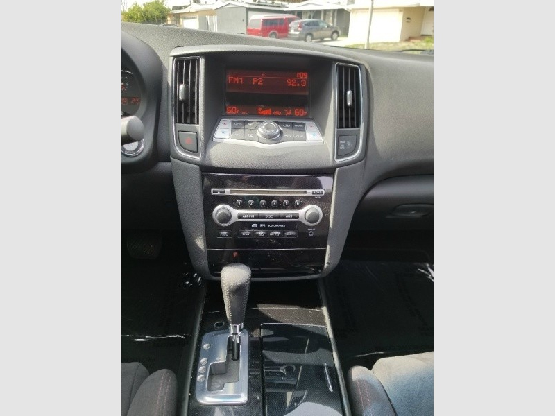 Nissan Maxima 2009 price $5,988