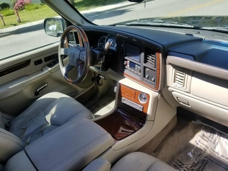 Cadillac Escalade 2003 price $3,788