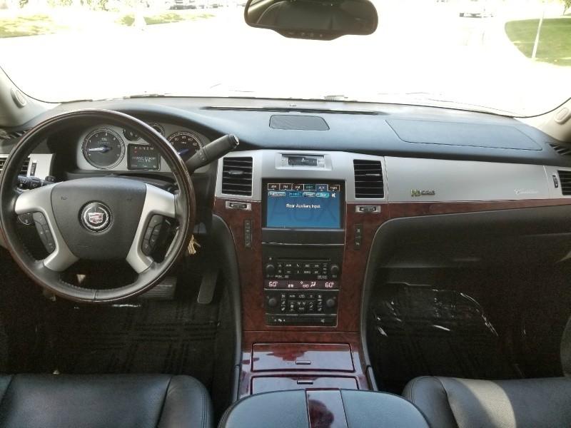 Cadillac Escalade Hybrid 2011 price $17,888