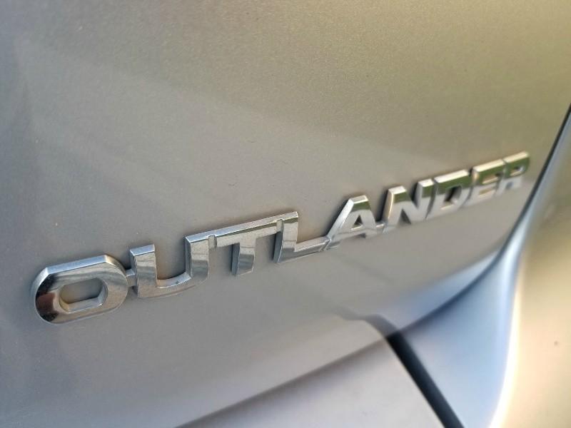 Mitsubishi Outlander 2011 price $6,188