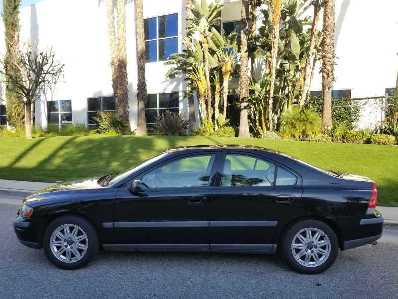 Volvo S60 2003 price $2,888