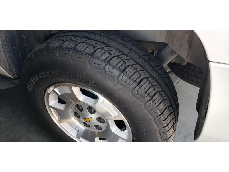 Chevrolet Suburban 2011 price $15,677