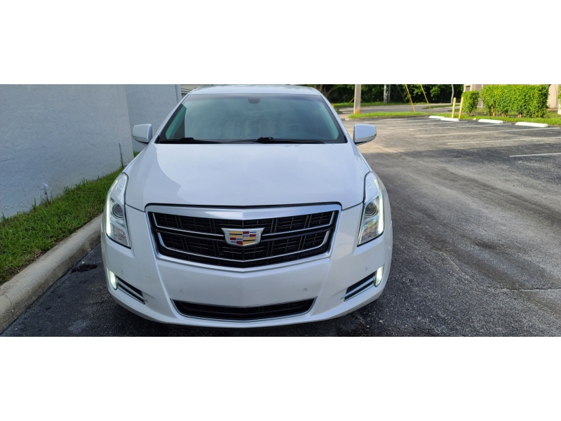 Cadillac XTS 2017 price $17,500