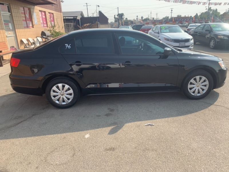 Volkswagen Jetta Sedan 2013 price $10,390