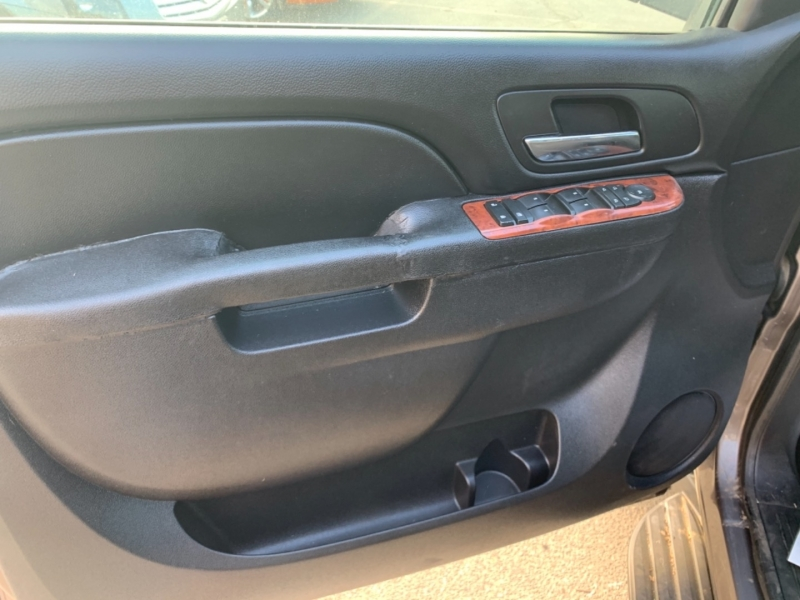Chevrolet Suburban 2014 price $16,884