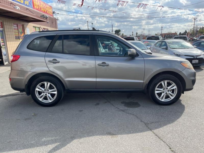 Hyundai Santa Fe 2011 price $7,998