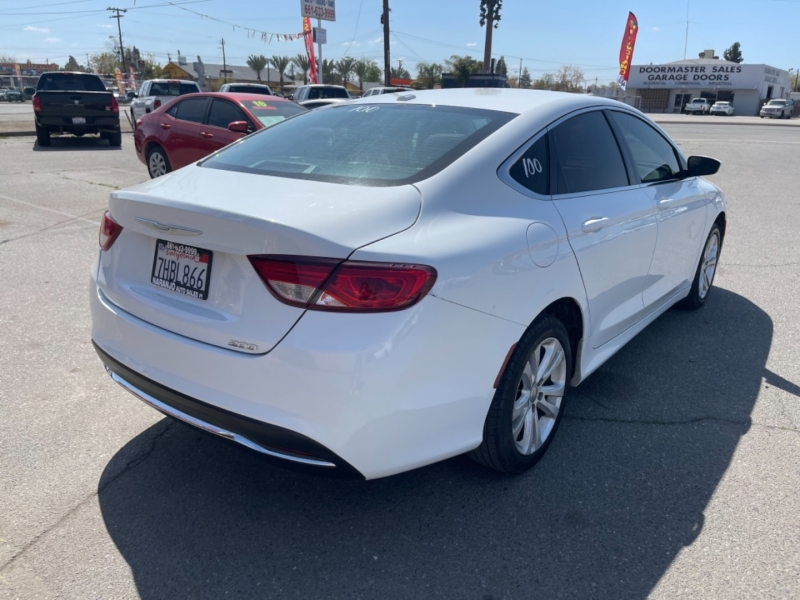 Chrysler 200 2015 price $8,998