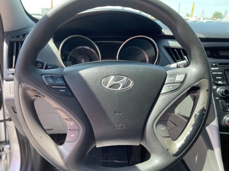 Hyundai Sonata 2012 price $11,998