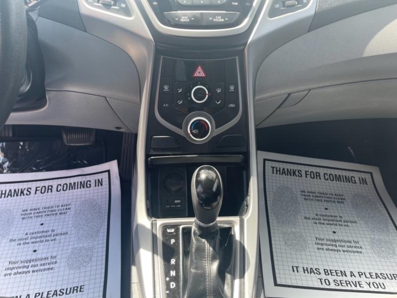 Hyundai Elantra 2016 price $11,998
