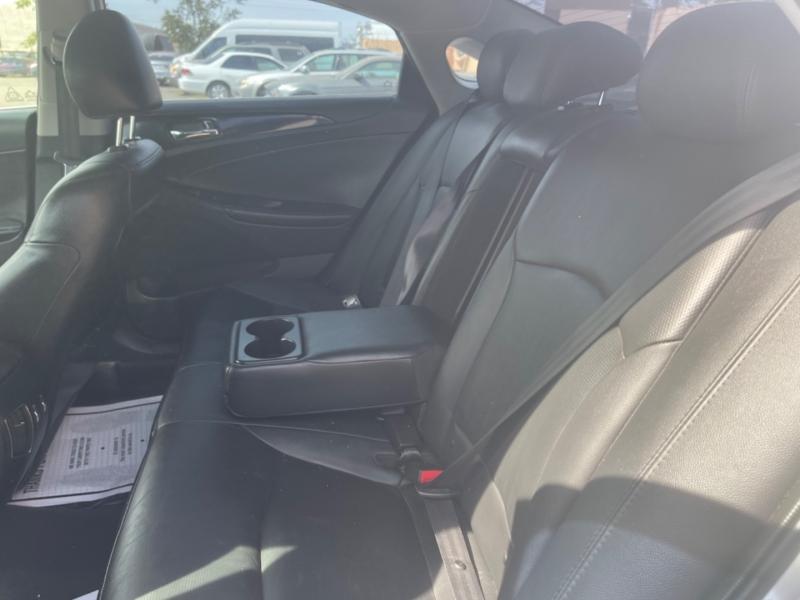 Hyundai Sonata 2013 price $13,998