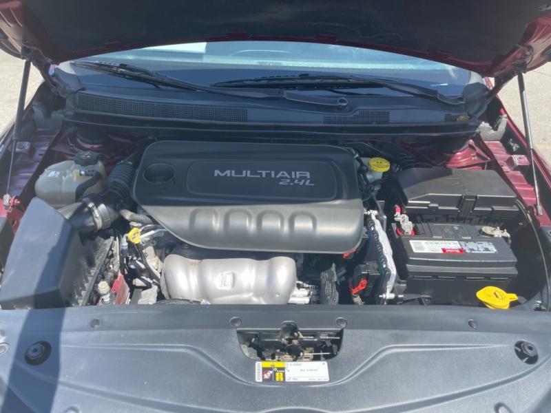 Chrysler 200 2015 price $9,998