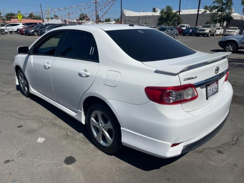Toyota Corolla 2011 price $11,413