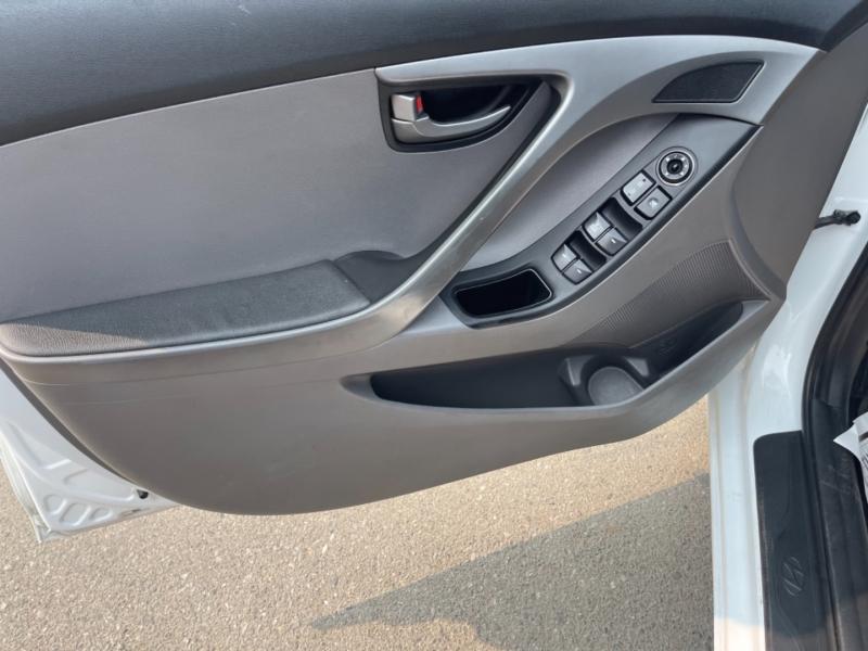 Hyundai Elantra 2016 price $12,998