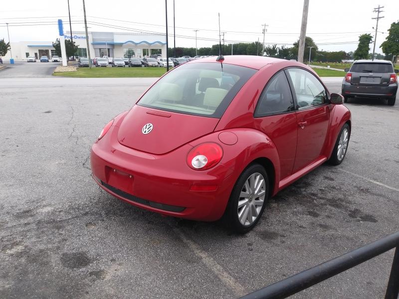 Volkswagen New Beetle Coupe 2008 price $5,000