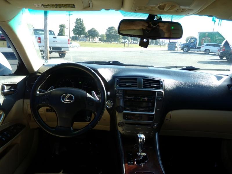 Lexus IS 250 2006 price $9,250